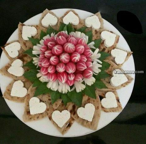 تزیین نان و پنیر و سبزی برای افطار