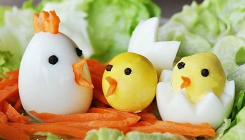 نتیجه تصویری برای تزیین تخم مرغ آبپز