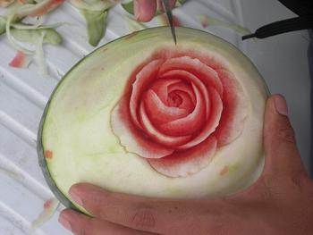 آموزش تزیین هندوانه به شکل گل