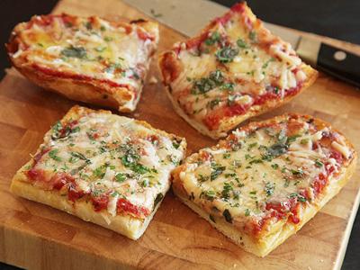 پیتزا تک نفره با نان ساندویچی,طرز تهیه پیتزا تک نفره با نان ساندویچی