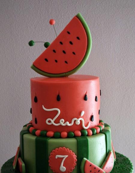 کیک های شب چله,تزیین کیک یلدا