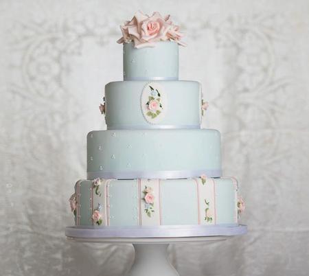 مدل کیک عروسی, کیک عروسی به رنگ آبی