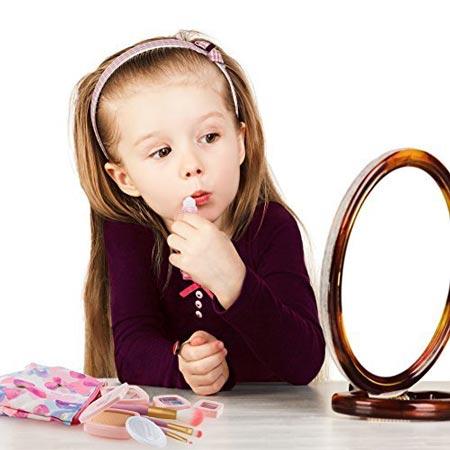 لوازم آرایش مخصوص کودک