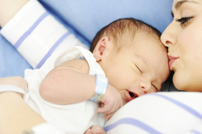 دوران شیردهی در زمان بارداری
