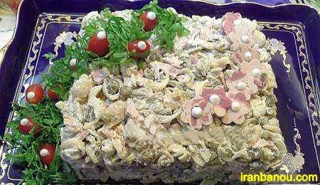 سالاد ماکارونی با قارچ