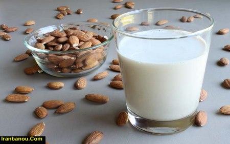بهترین زمان مصرف شیر بادام
