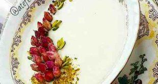 تزیین فرنی با گل محمدی