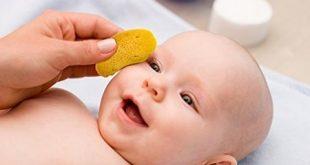 آموزش تصویری شستن نوزاد