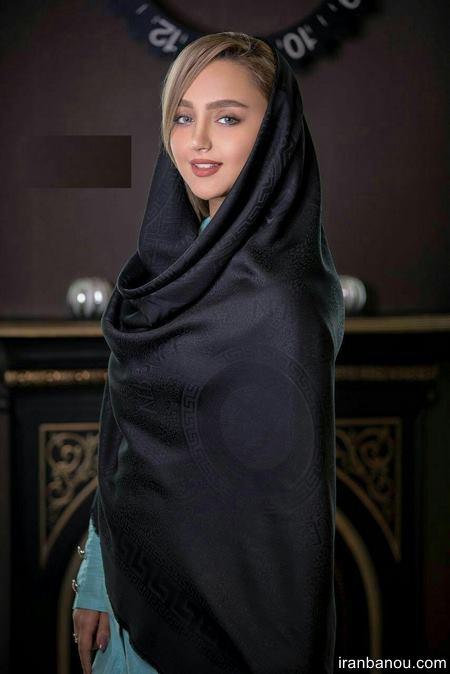 روسری مشکی ساتن