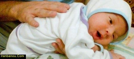 گرفتن آروغ نوزاد هنگام خواب