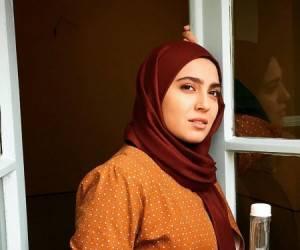 مونا کرمی ، بازیگر حوالی پاییز