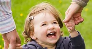 چگونه کودکی شاد داشته باشیم