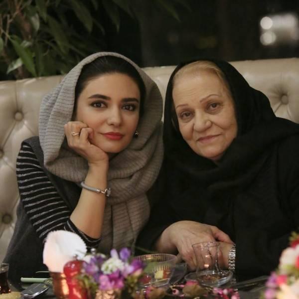 لیندا کیانی و مادرش