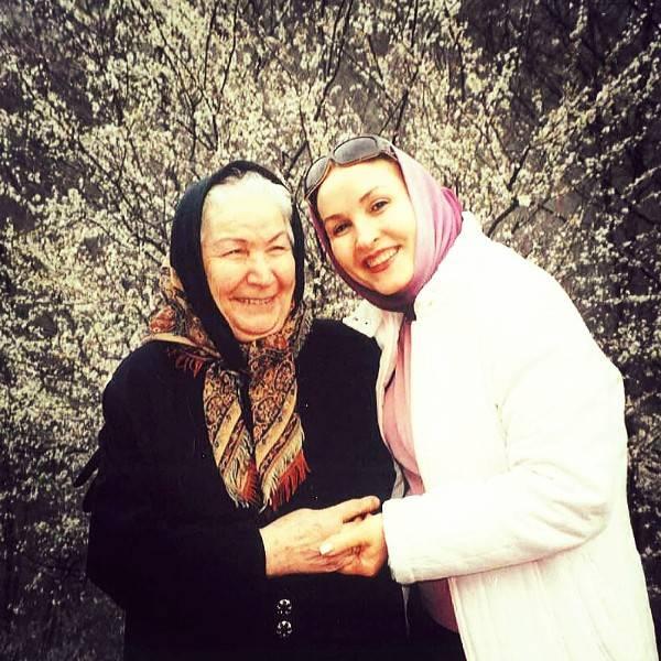 مادر و مادربزرگ آناهیتا همتی