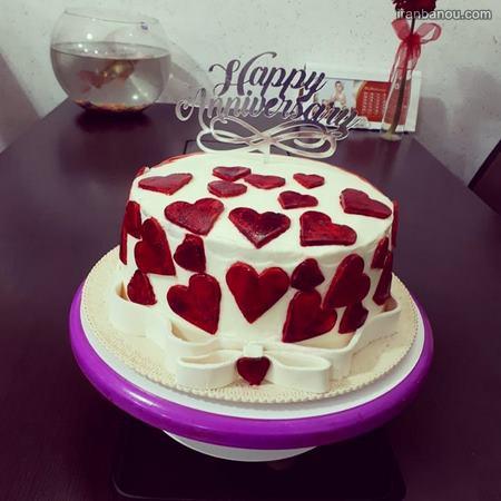 کیک برای سالگرد