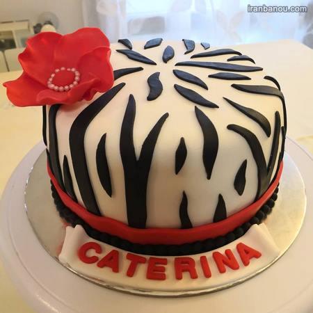 کیک تولد دخترانه بزرگسال خامه ای