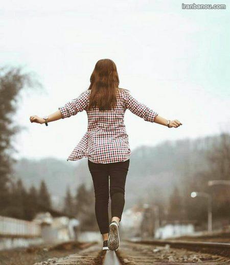 عکس دختر در خیابان