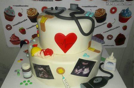 کیک تولد پزشکی دخترانه