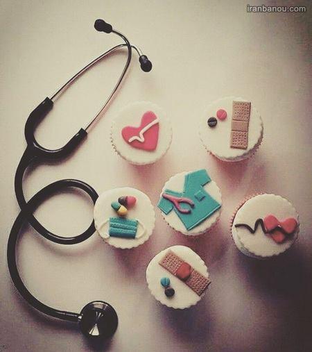 کیک تولد برای دکتر