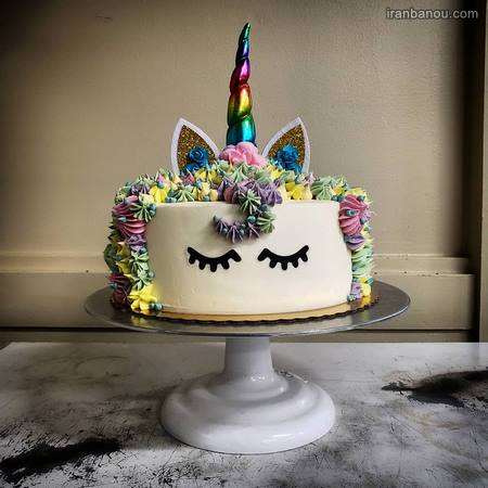 تزیین کیک اسب شاخدار