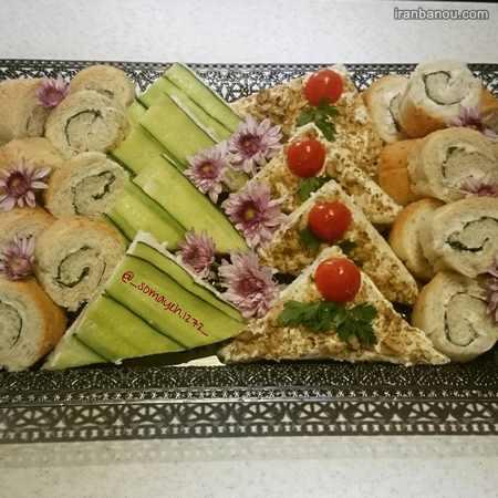 نان تست و پنیر و سبزی