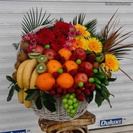 میوه آرایی با سیخ چوبی برای تولد