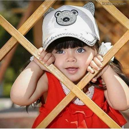 عکس دختر بچه غمگین