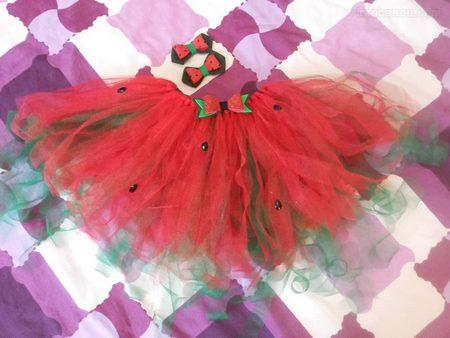 تزیین لباس توتو برای شب یلدا
