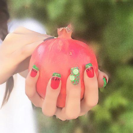 طراحی ناخن انار و هندوانه