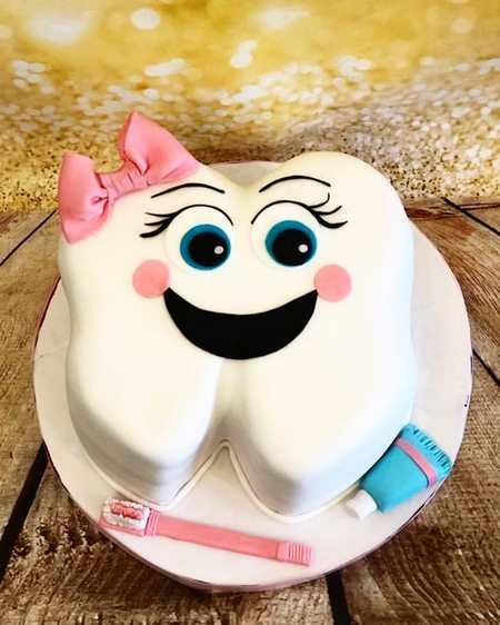 کیک با تم دندانپزشکی