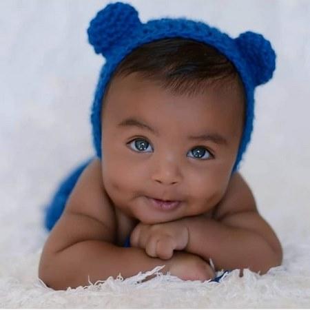 عکس دختر بچه غمگین و زیبا