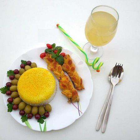 تزیین غذا و سالاد و ماست