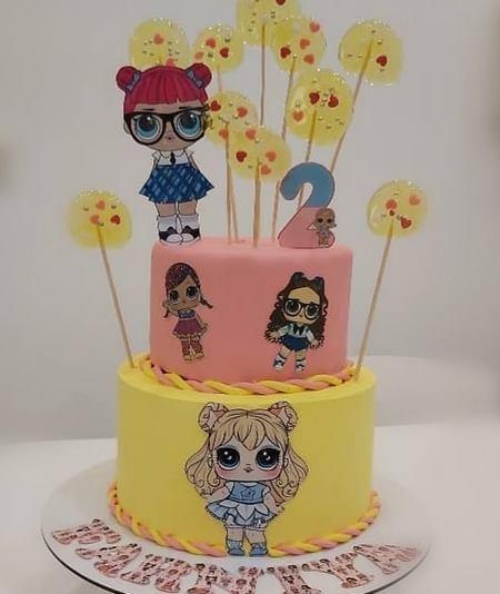 کیک تولد دخترانه خامه ای