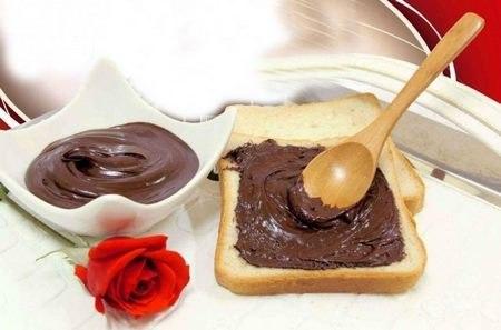 طرز تهیه شکلات صبحانه نوتلا