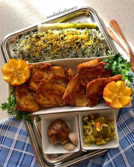 طرز تهیه سبزی پلو با ماهی و سس پرتقالی